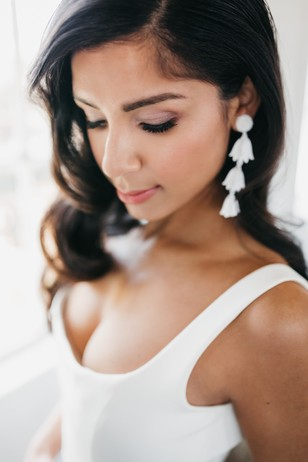 simple and sweet wedding look