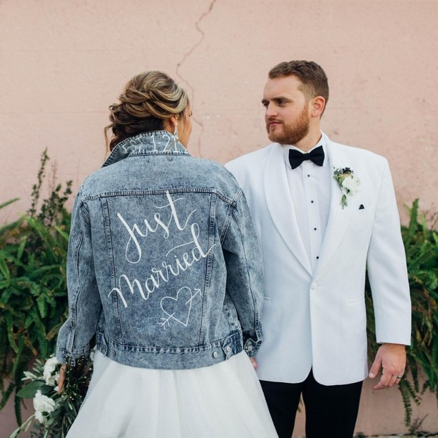 Weddings Are Throwing Back to the 90s and We Love It