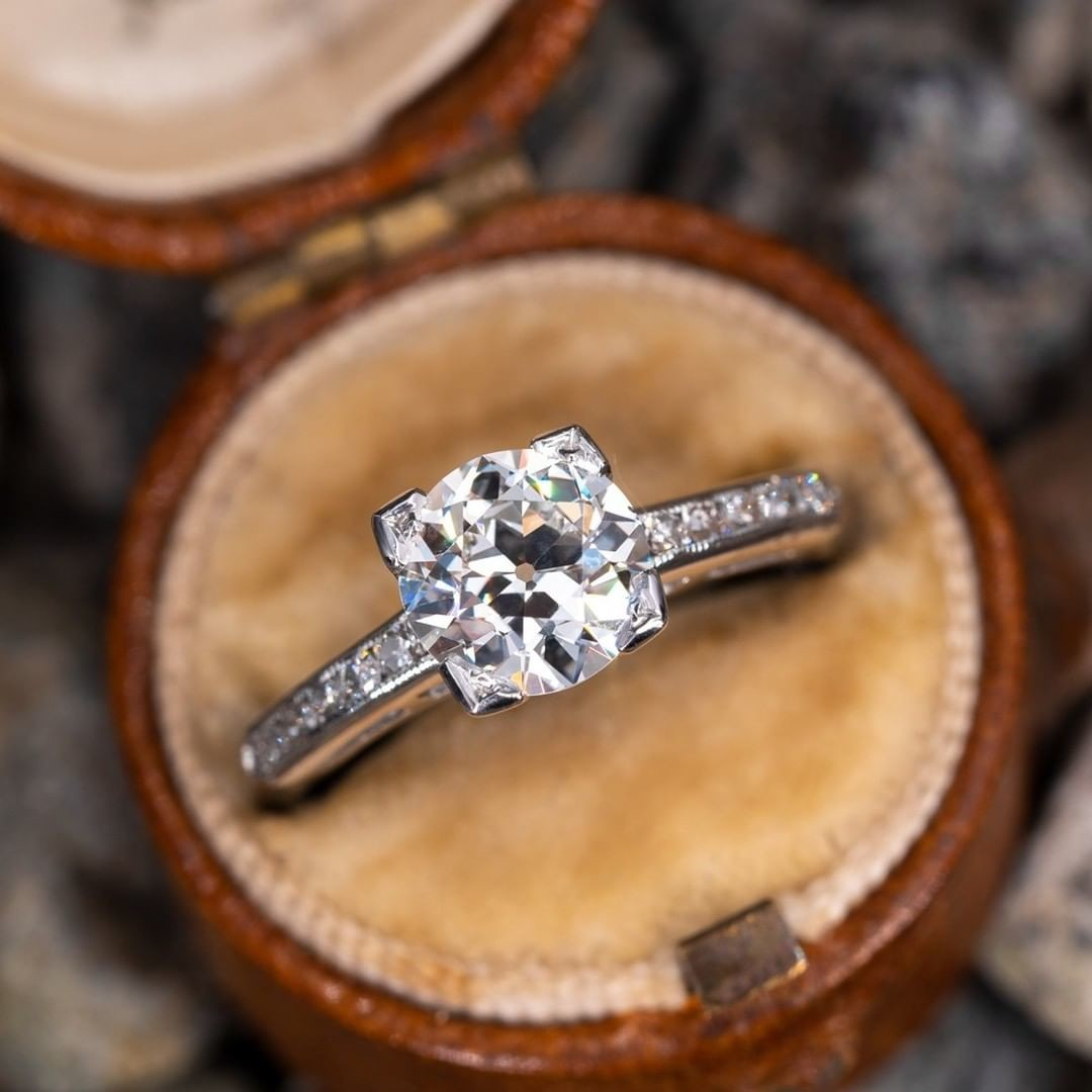 Anyone else think this is the perfect antique engagement ring?