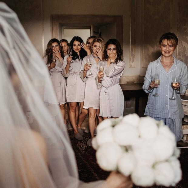 Bride Tribe Photos You Can't Miss Out on for Your Wedding Day