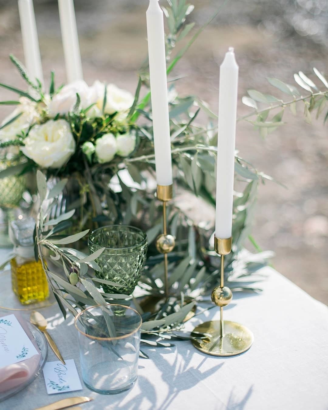 ▪If you need some inspiration for your destination wedding in Greece we suggest olives, white flowers and gold details. The dream