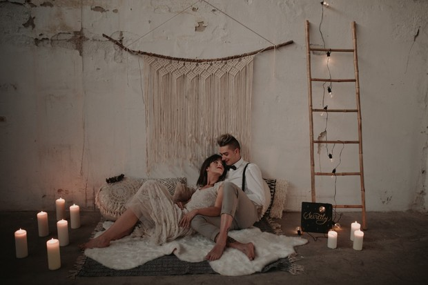 Relaxed wedding lounge space