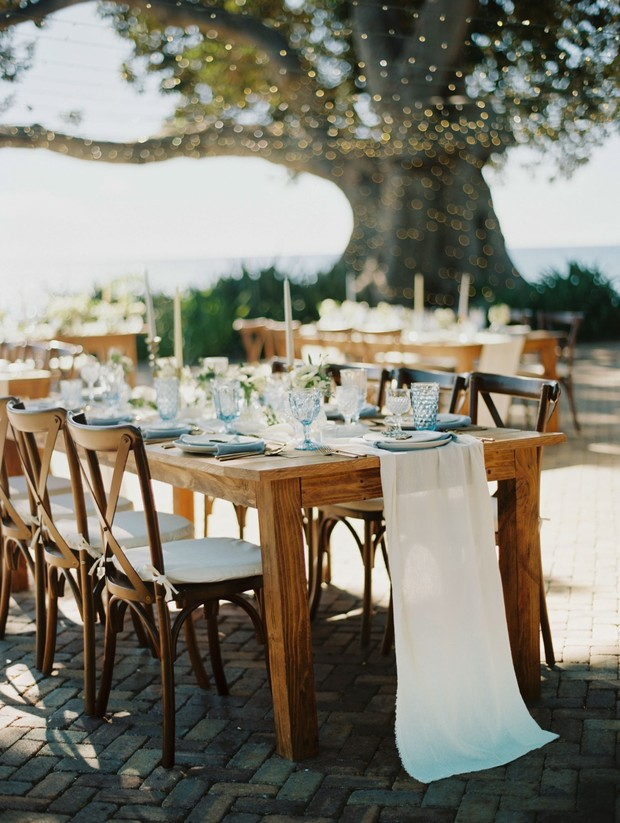 chic blue and white wedding table decor