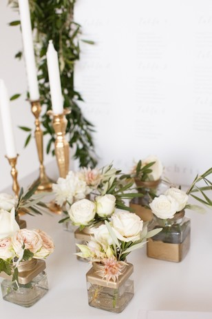 floral decor in gold white and blush