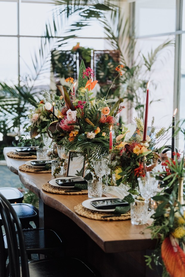 tropical beach chic wedding table decor