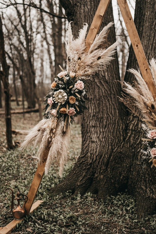 boho ceremony backdrop