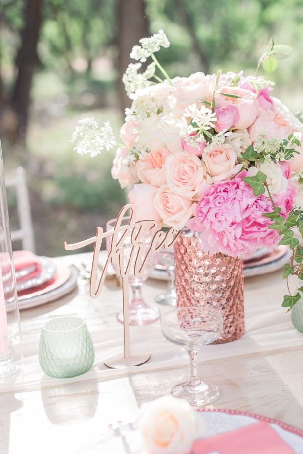 pink and blush wedding table decor