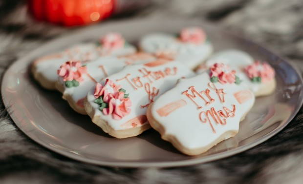 Mr. and Mrs. wedding cookies