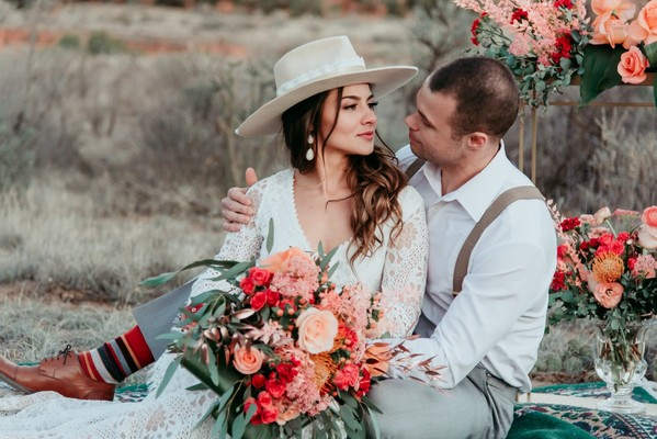 A Romantic Desert Boheme Wedding Inspiration at Ghost Ranch