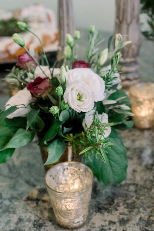 burgundy and white wedding florals
