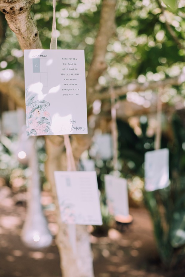 wedding seating assignments