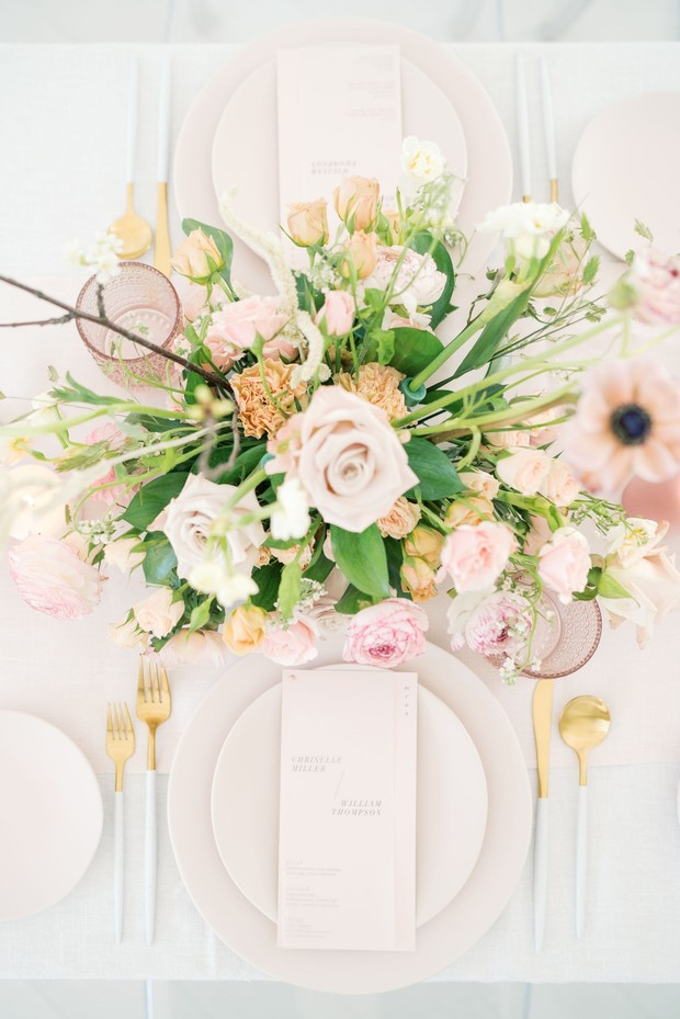elegant pink and gold wedding table