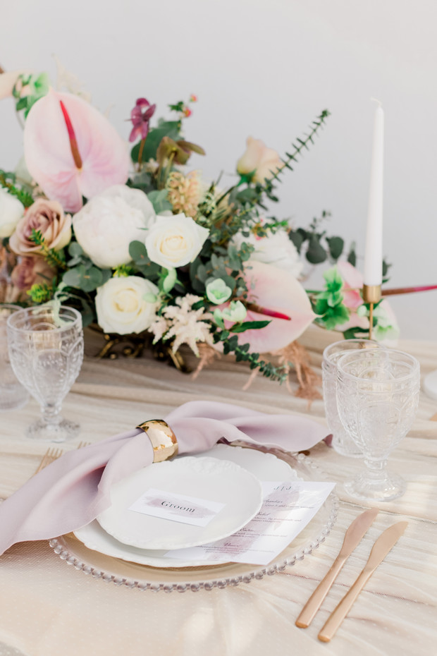 blush and gold wedding table decor
