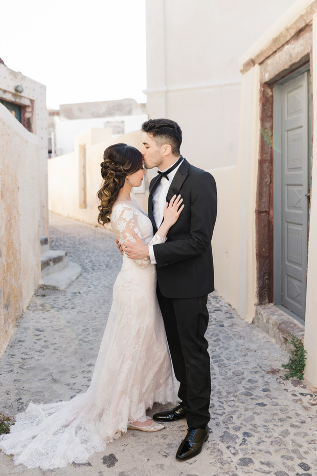 romantic elopement in Greece