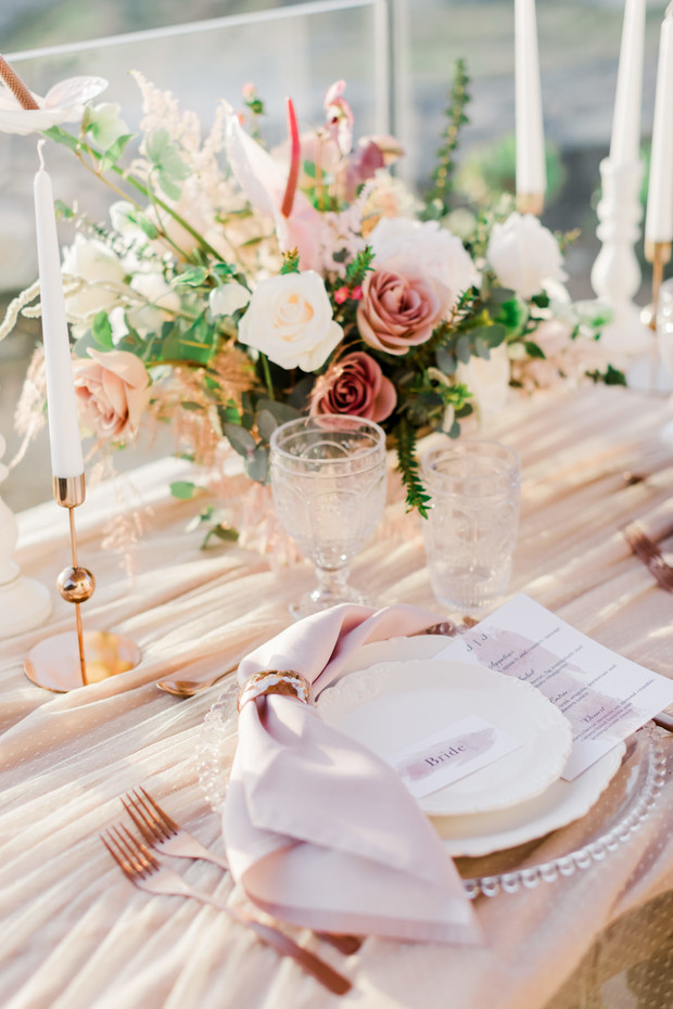 blush and gold sweetheart table decor