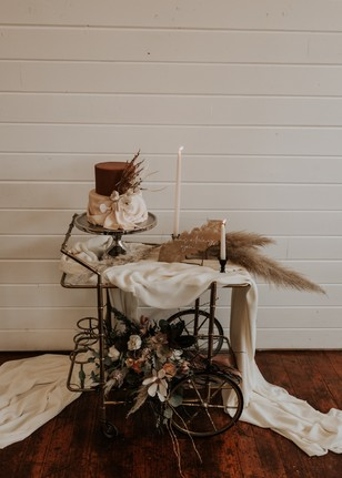 earthy wedding cake stand