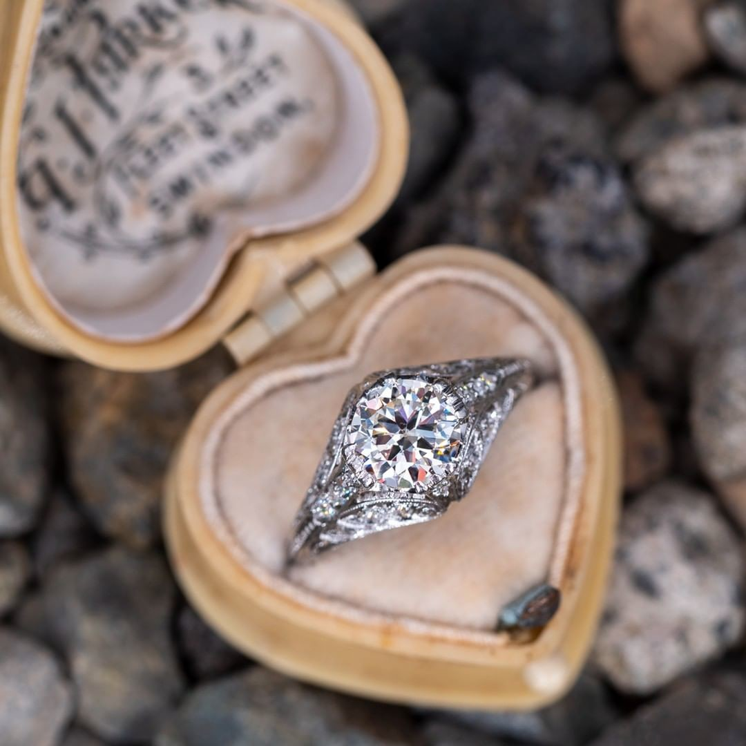 This diamond features a transitional brilliant cut. Did you read that as traditional or transitional?