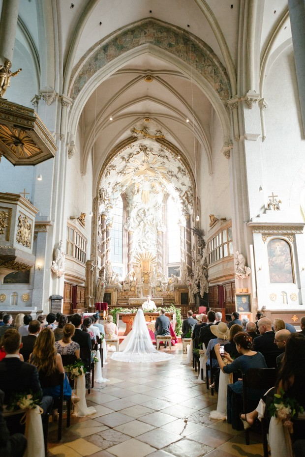 wedding in St Michaels Church in Vienna