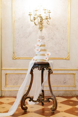A Glamorous Way To Say I Do In A Palace In Vienna