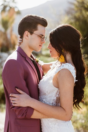 wedding couple in bold styles for the summer