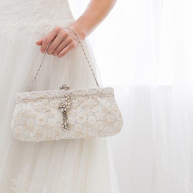 Bridal clutch details that add that perfect finishing touch.