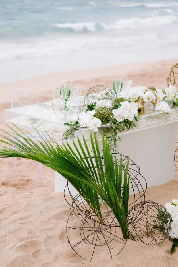 tropical wedding decor
