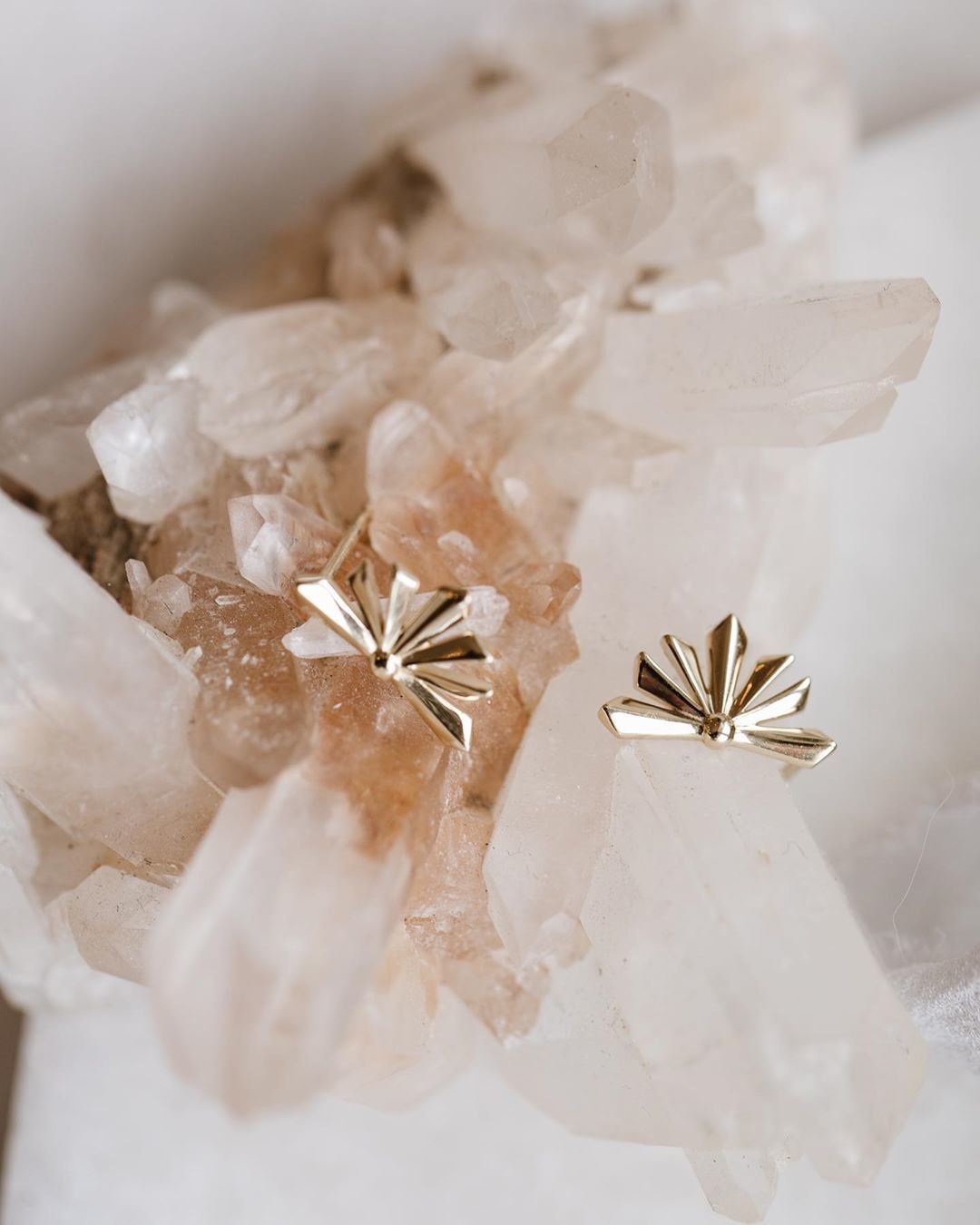 We are big fans of these yellow gold studs, available online and at our Tennyson location now! ✨