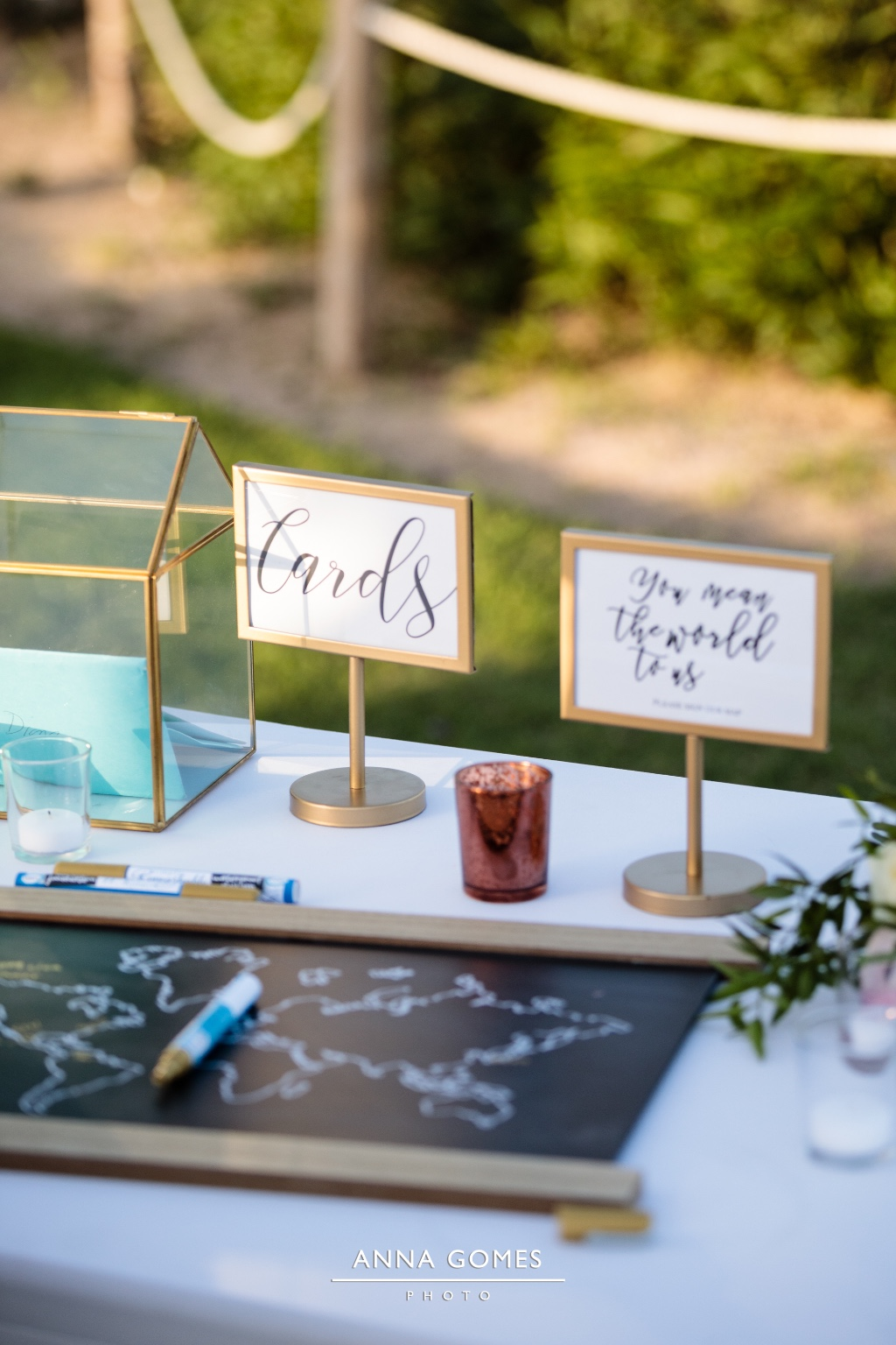 Guest book and extra details for a Destination Wedding in Cabo