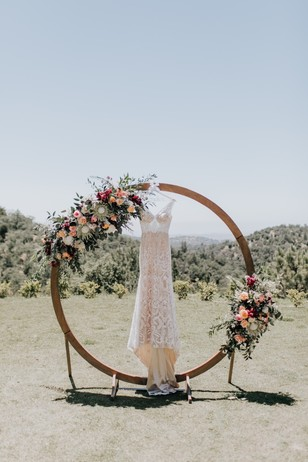 wedding backdrop and dress