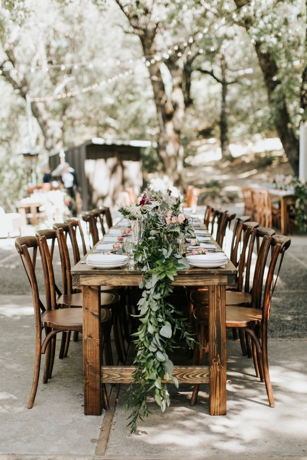 rustic outdoor wedding table decor