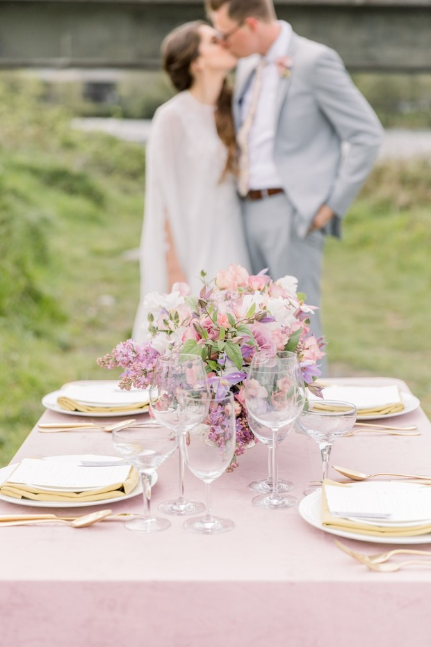 blush and lilac wedding table