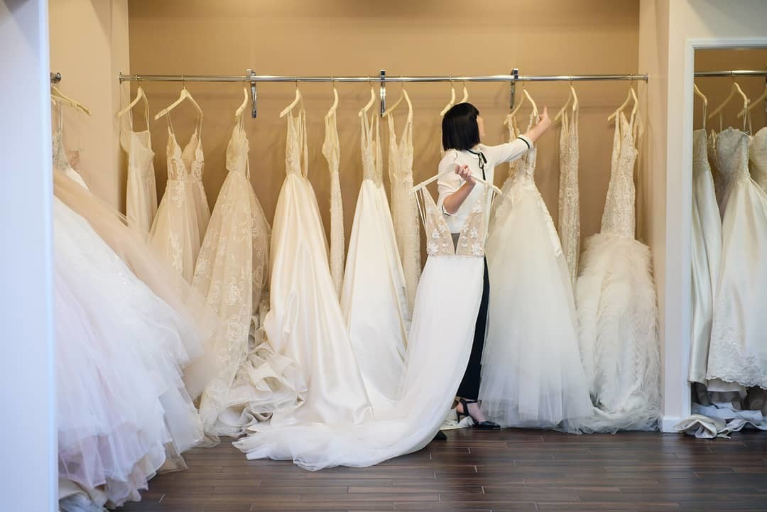 Finding the right wedding dress is not as simple as people think, and stylists want to guide you to THE gown. We'll help you determine