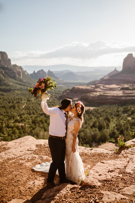 How to Have an Adventurous Pink Jeep Wedding in Arizona