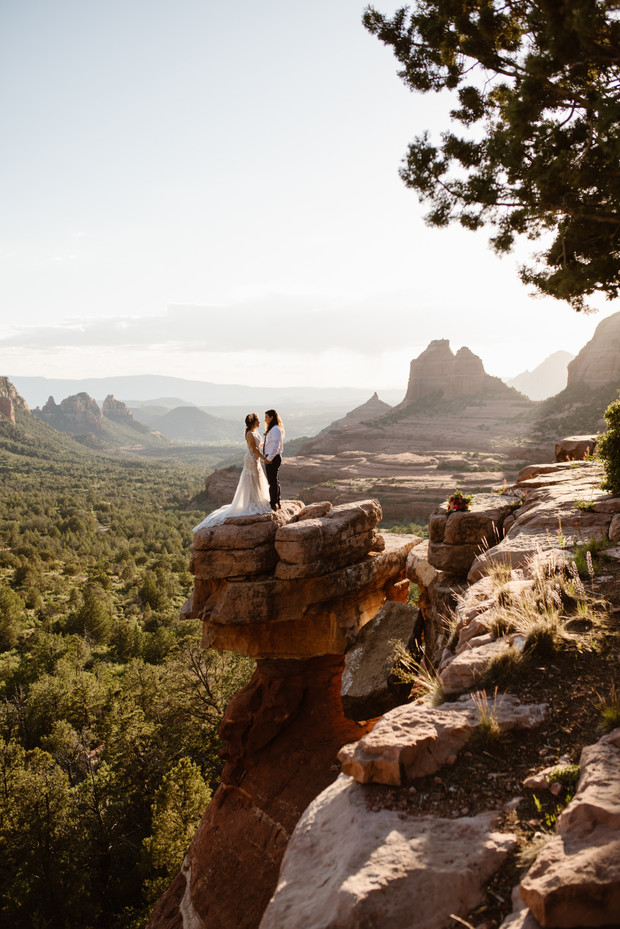 Adventurous elopement in Arizona