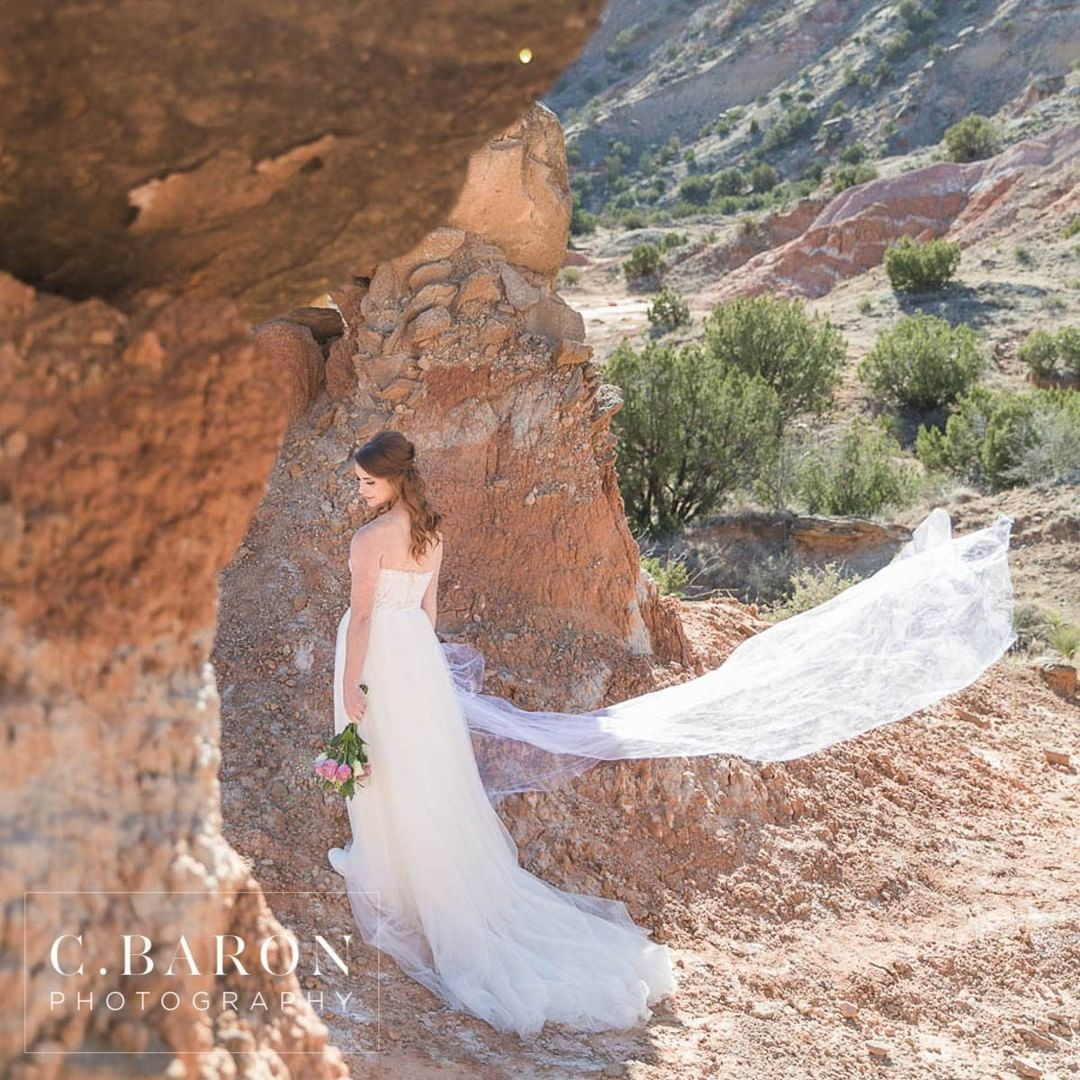 We are still so in love with this breathtaking Bridal Session in West Texas!
