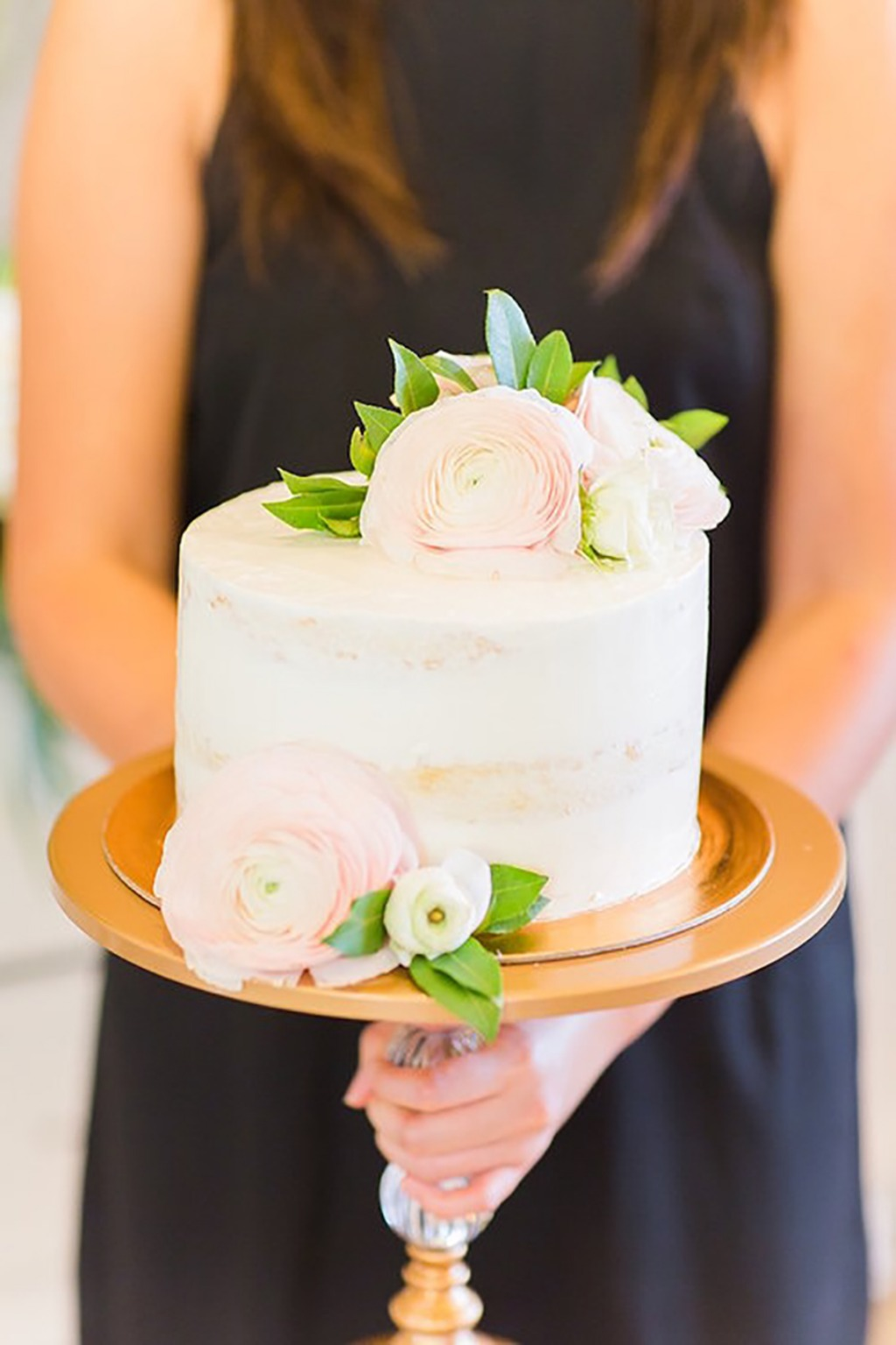 Pretty Wedding Cake Stands to get your hands on!