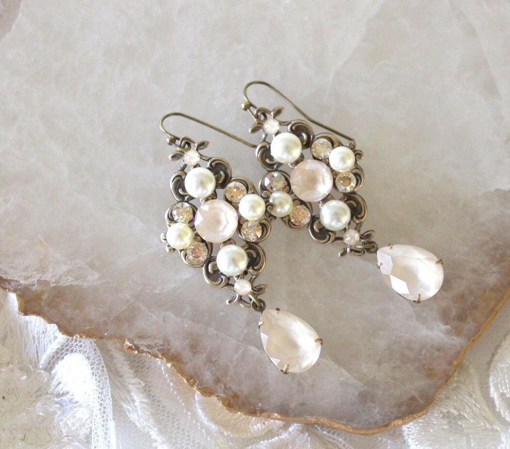 Vintage inspired antique gold Bridal earrings with Swarovski ivory cream and golden shadow crystals and pearls. Such a romantic color
