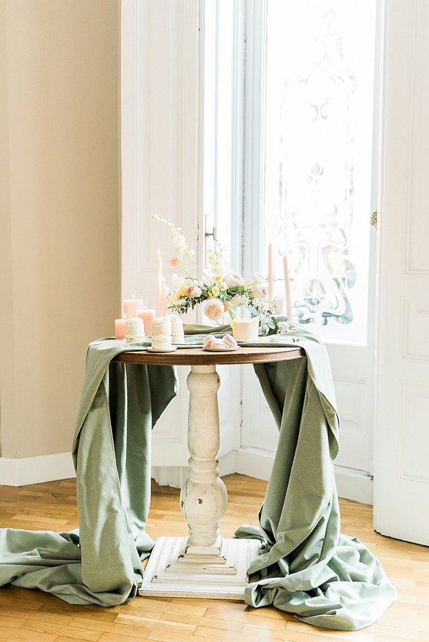 elegant cake table