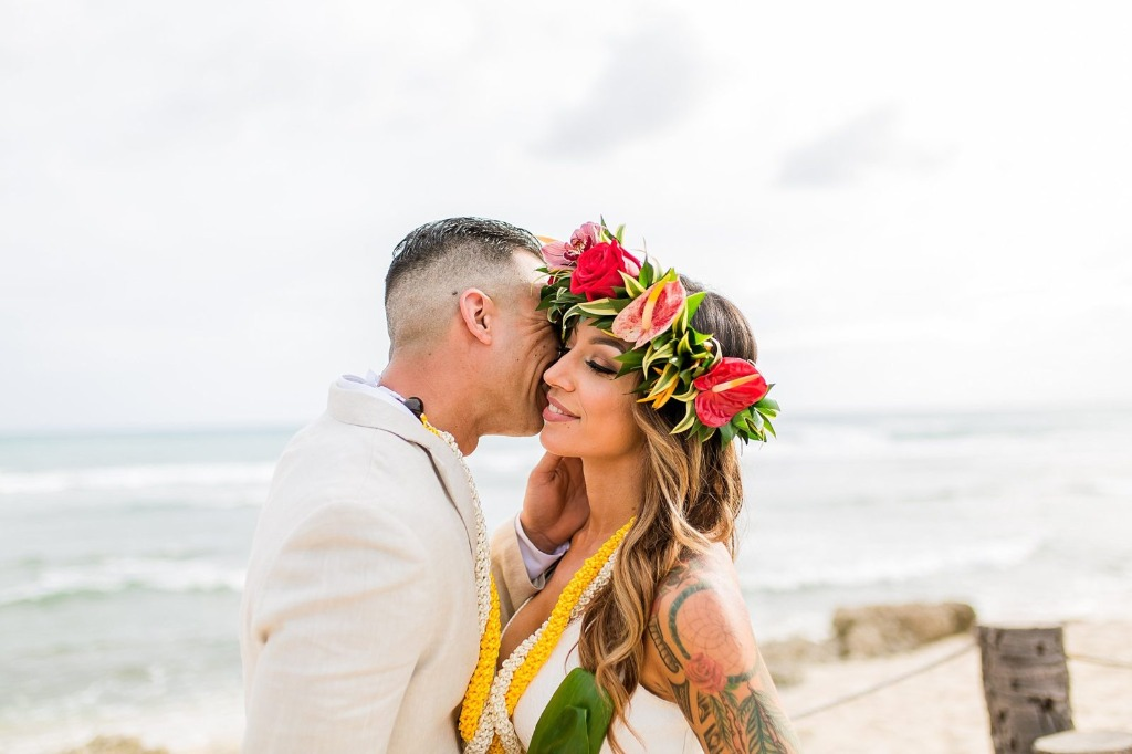 Hawaii is the perfect place to elope! Love this floral crown on Jeanine's head as well!!