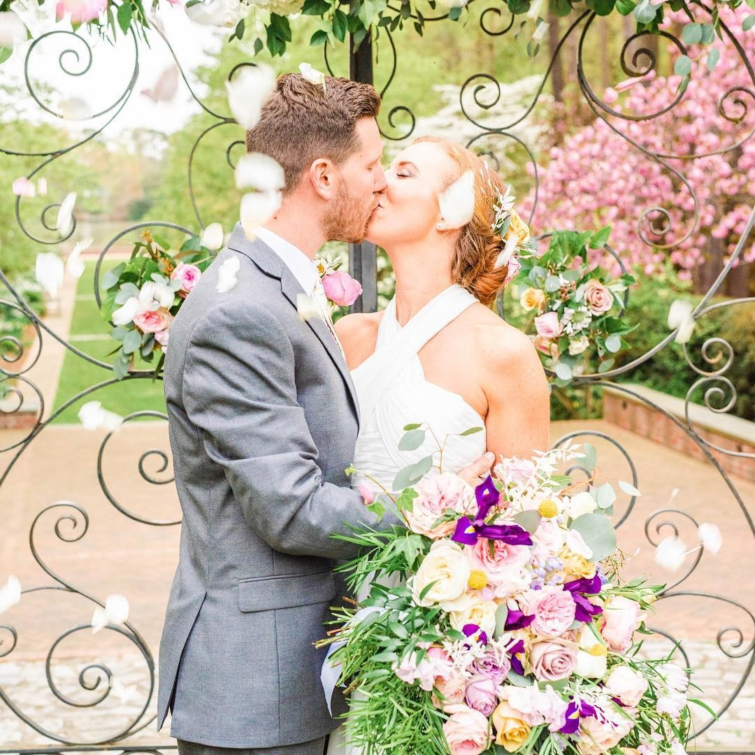 Spring gardens are the best inspiration. Let's plan your dream wedding!