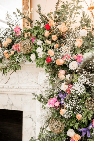 wedding flowers for your wedding backdrop