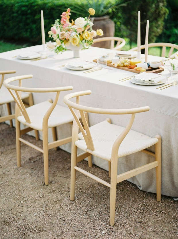 sweet and simple late summer wedding table decor
