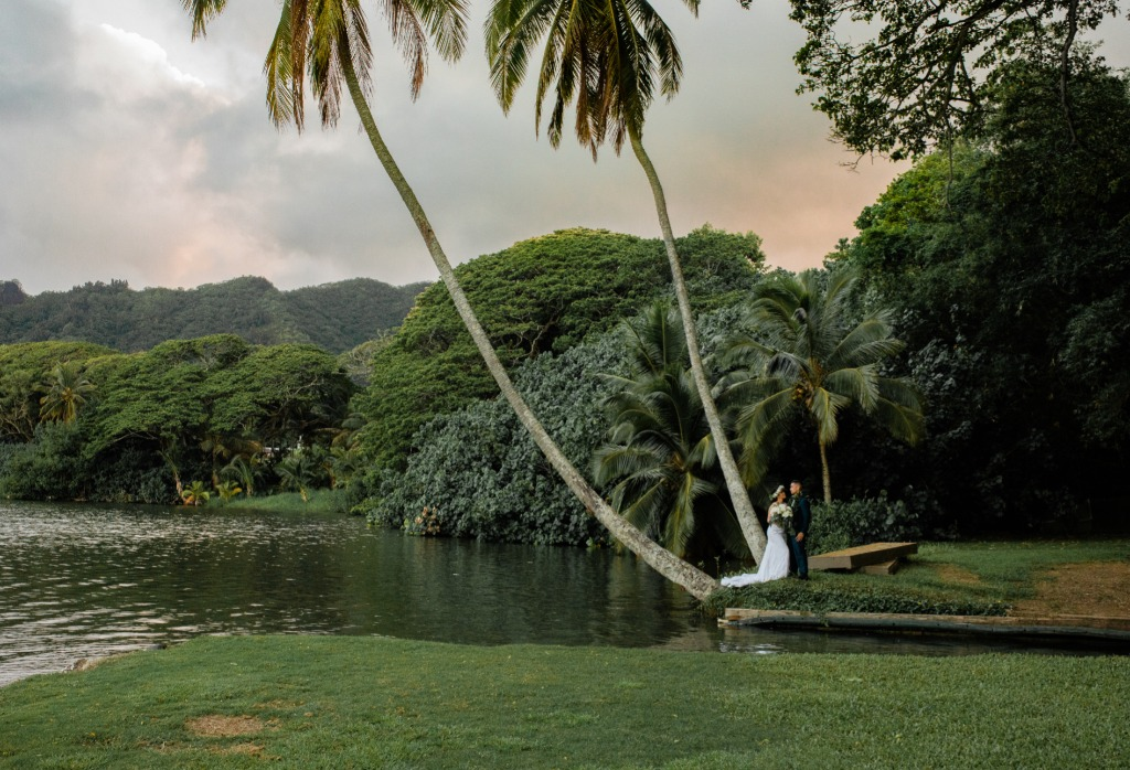 Beautiful Sunset Wedding at Kualoa Ranch in Hawaii!