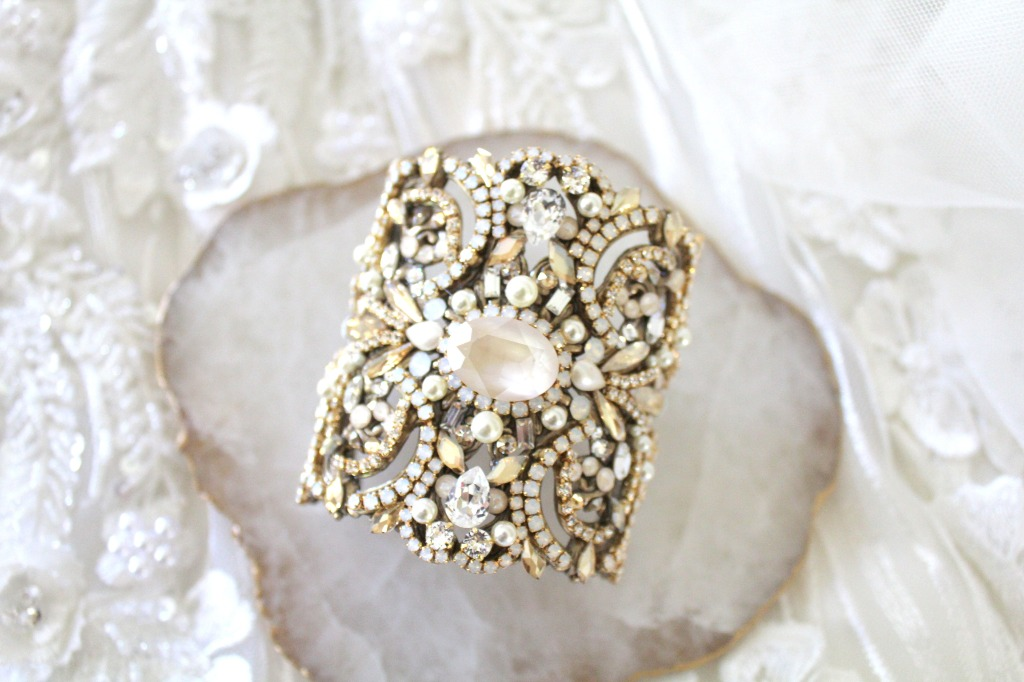 Swarovski crystal statement Bridal bracelet is completely handcrafted with hundreds of crystals and is mean to be treasures for a lifetime