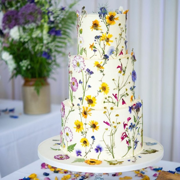 Wedding Cake Flowers Edible: Edible Flower Cakes Are Our New Wedding Cake Flavor (Of