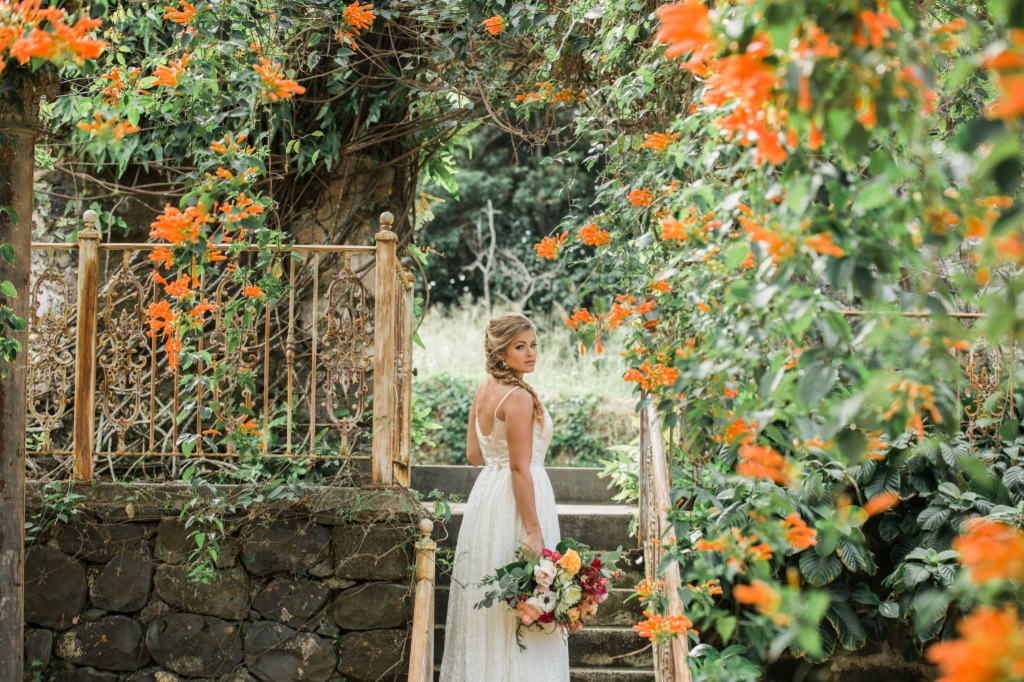 Haiku Mill in Maui, Hawaii is one of the most stunning venues to get married at!