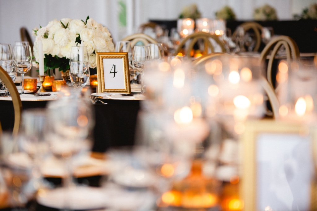 Black and White Classy Style wedding in Cabo