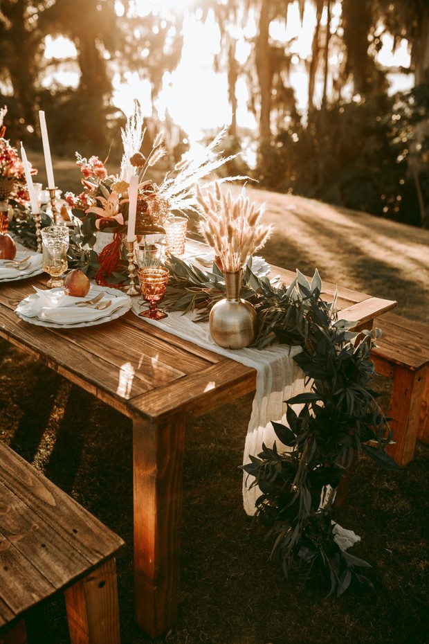 sunset wedding table decor
