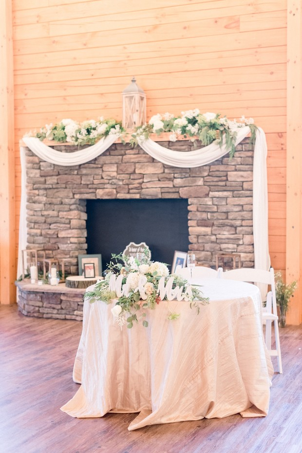 cute and cozy sweetheart table