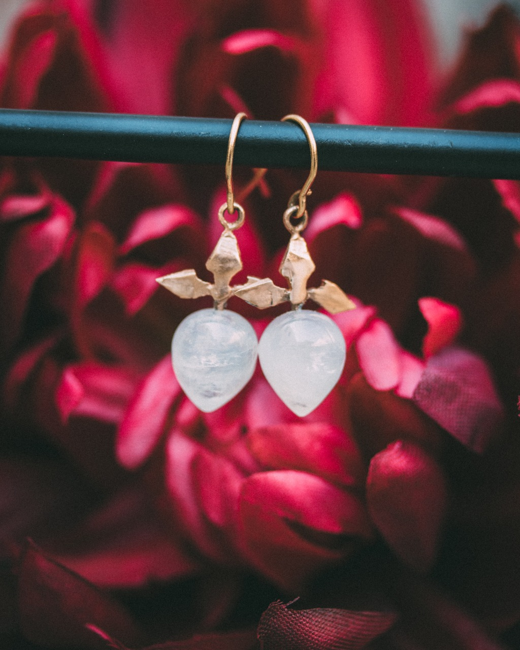 BESPOKE JEWELRY BORN OUT OF LOVE & DEVOTION. INSPIRED BY HISTORY. ALWAYS CUSTOM & UNIQUE Vena is known for its bespoke wedding